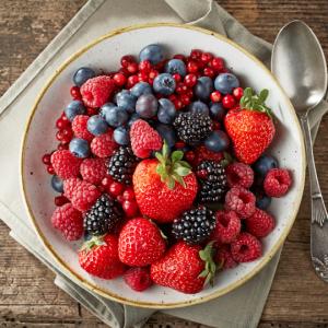 Foods That Stain Teeth: Berries
