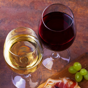 Foods that Stain Teeth: Red & White Wine